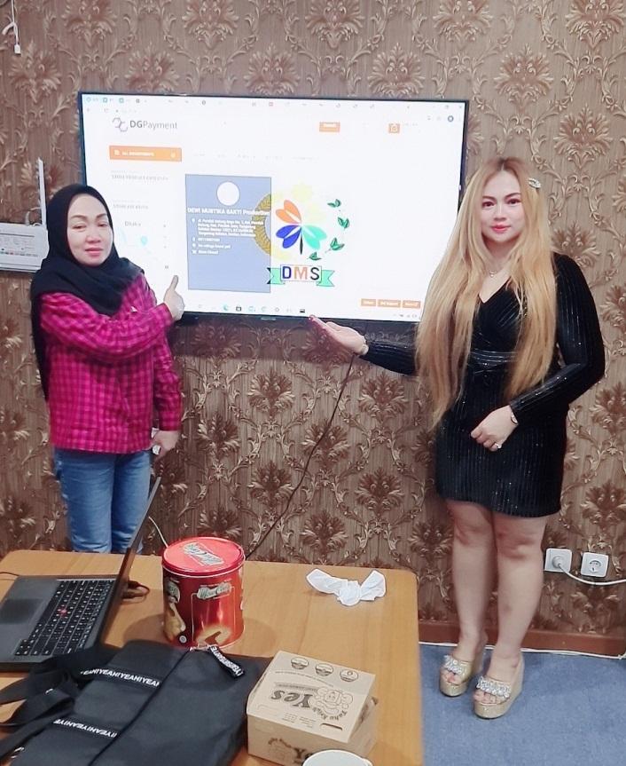"""Foto kerjasama Trading antara PT. Dewi Mustika Sakti dengan brand """"DEWI MUSTIKA SAKTI Production"""" & DGP Store"""